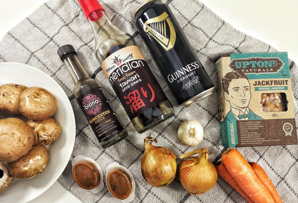 Vegan Meaty Mushroom and Guinness Pie - Hannah Finds Vegan